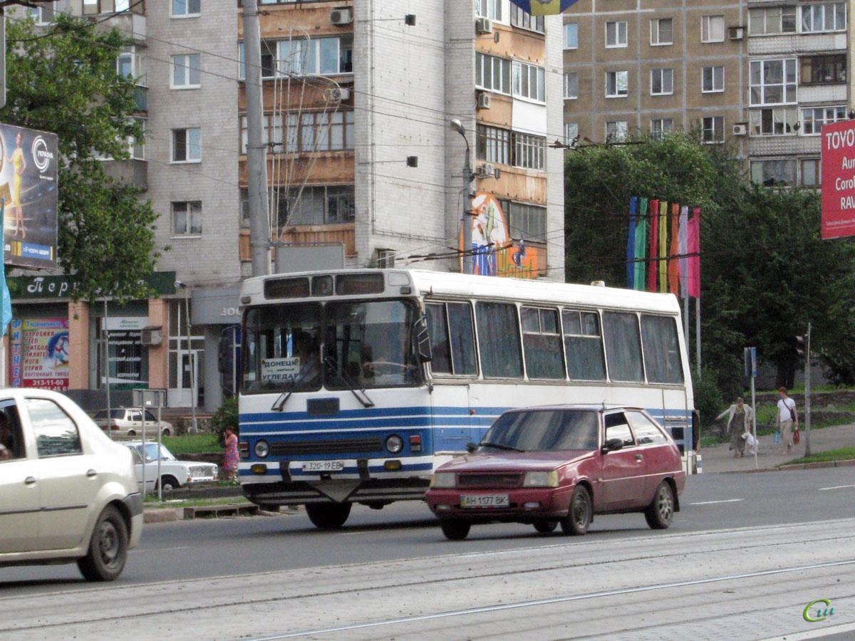 Донецк. ЛАЗ-42022 320-19EB