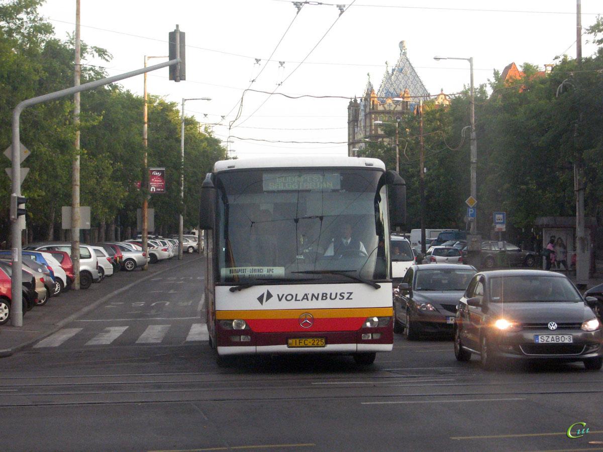 Будапешт. Mercedes-Benz O560 Intouro IFC-225