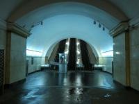 Москва. Эскалаторный наклон