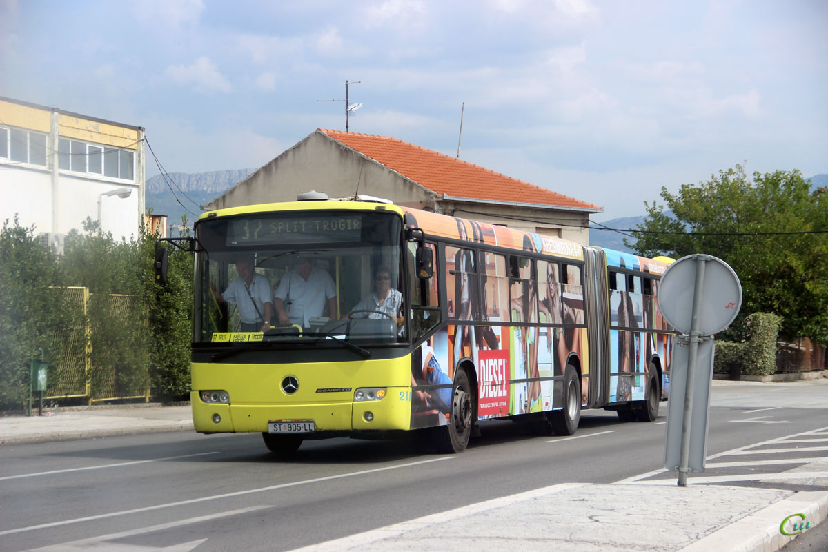 Сплит. Mercedes-Benz O345 Conecto G ST 905-LL