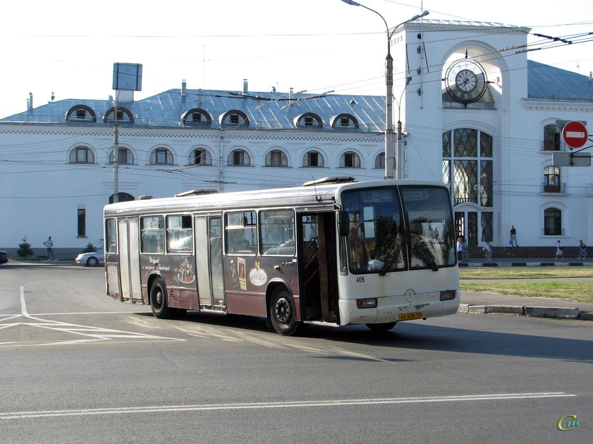 Великий Новгород. Mercedes-Benz O345 ав658