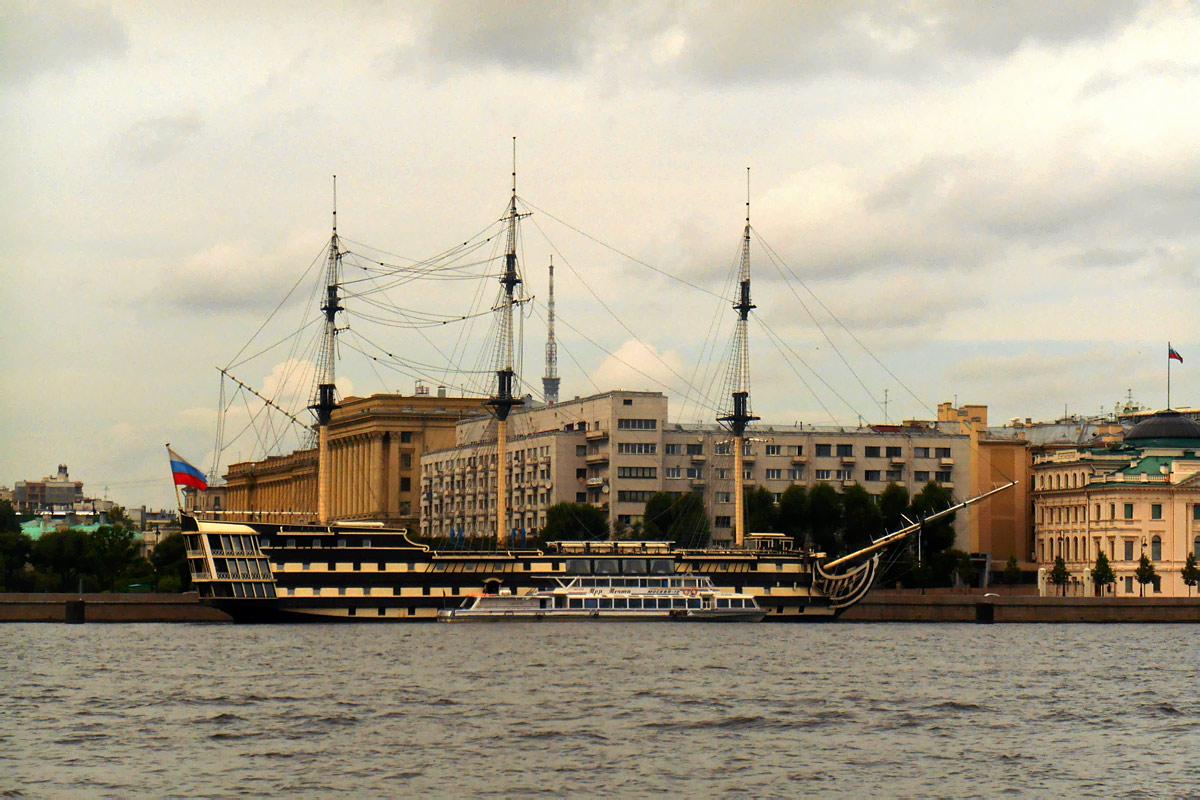 Санкт-Петербург. Фрегат Благодать – историческая реконструкция трехпалубного линейного корабля конца XVIII века