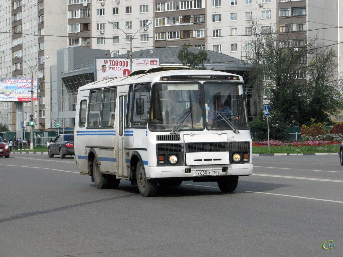 Королёв. ПАЗ-32053 у680мт
