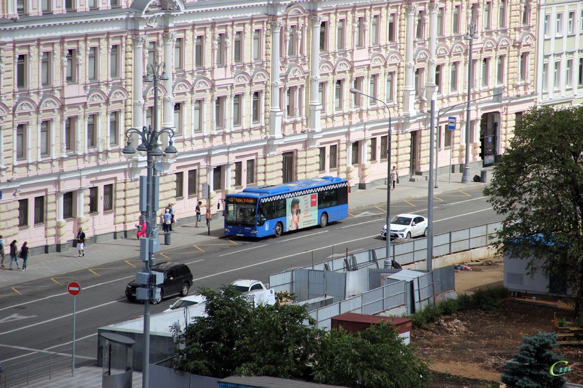 Москва. Mercedes-Benz O345 Conecto LF с612мт
