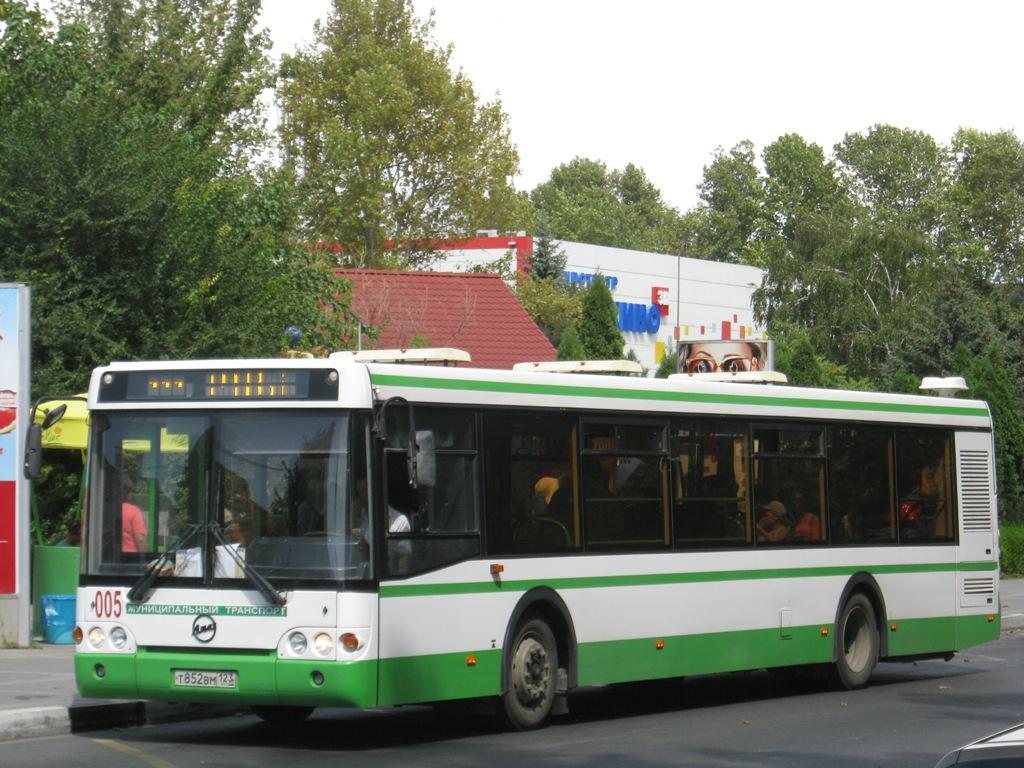 Анапа. ЛиАЗ-5292.20 т852вм