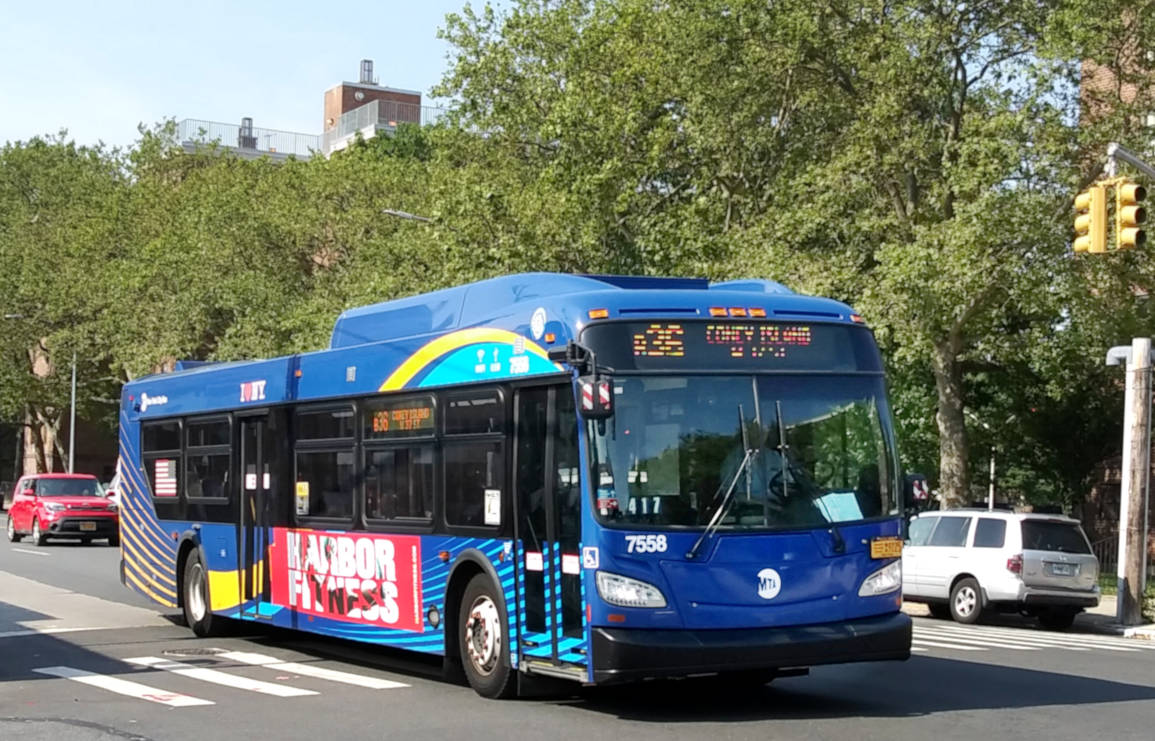 Нью-Йорк. New Flyer XD40 BA9923