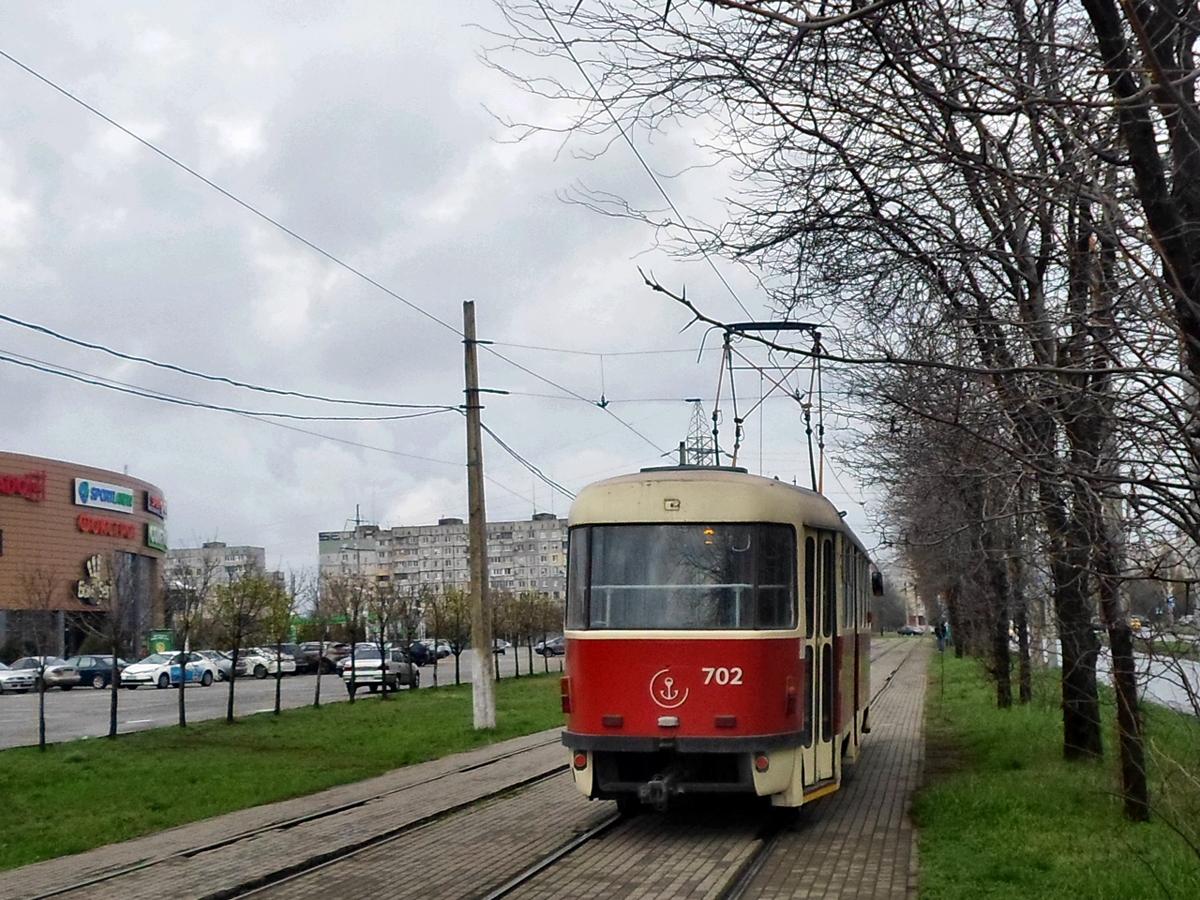 Мариуполь. Tatra T3SUCS №702