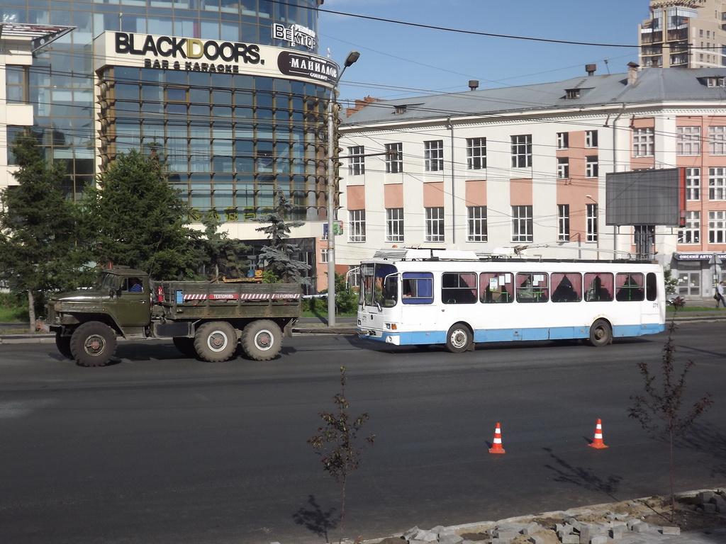 Омск. ВЗТМ-5280 №271