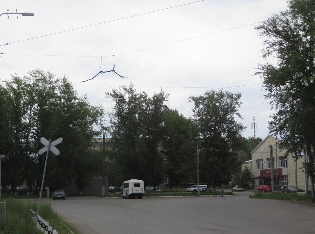 Курган. Остатки троллейбусной контактной сети