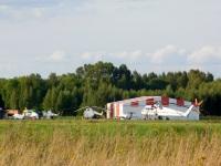 Воротынск. Вертолёты на территории аэродрома