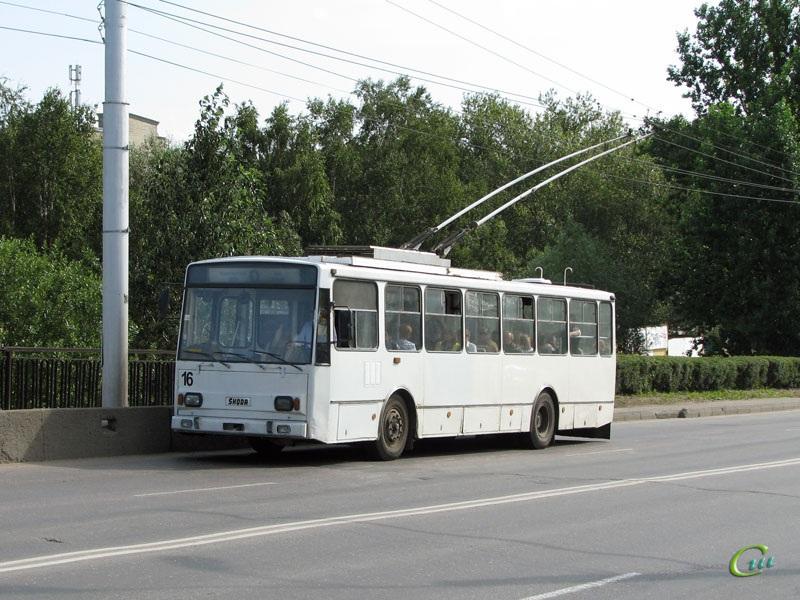 Великий Новгород. Škoda 14TrM (ВМЗ) №16