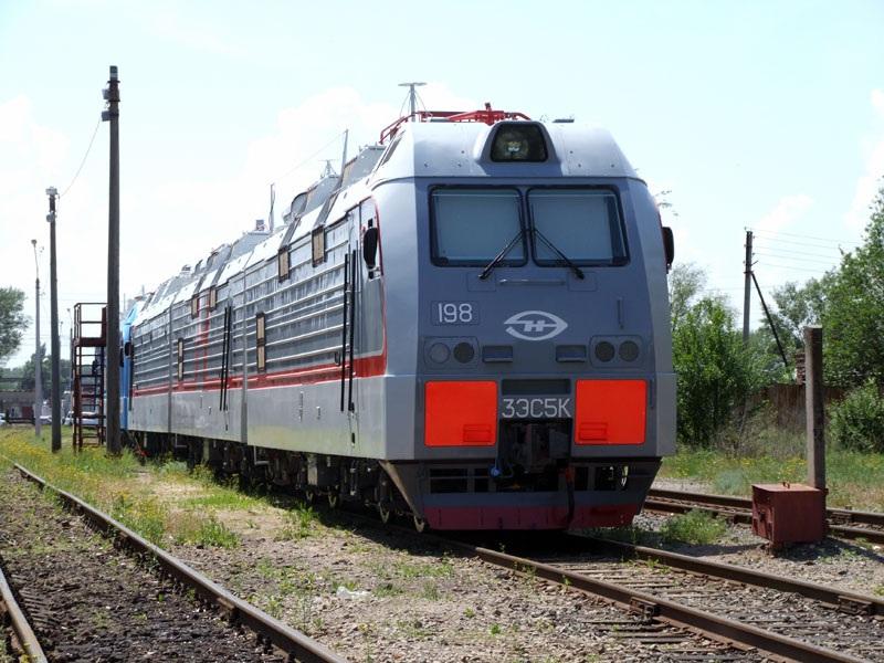 Новочеркасск. 3ЭС5К-198 Ермак