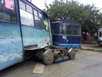 Таганрог. БТЗ-5276-01 №68, 71-605 (КТМ-5) №330