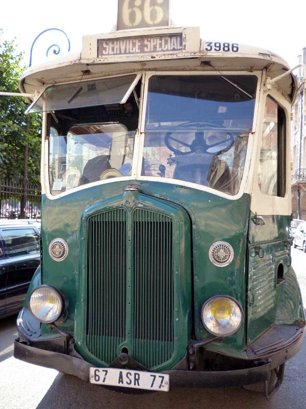 Париж. Renault TN4H 67 ASR 77