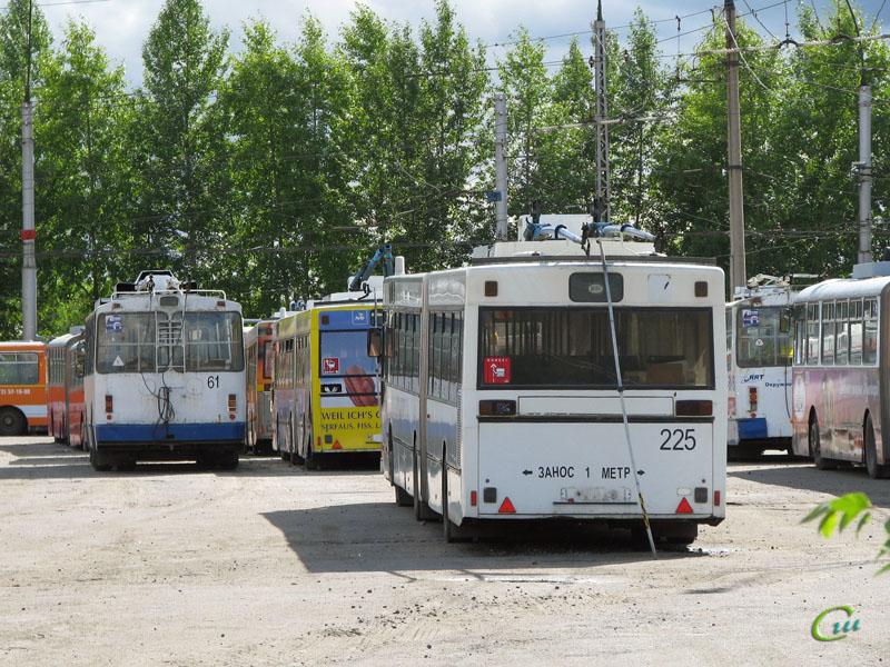 Вологда. ВМЗ-170 №61, Gräf & Stift NGE152 №225
