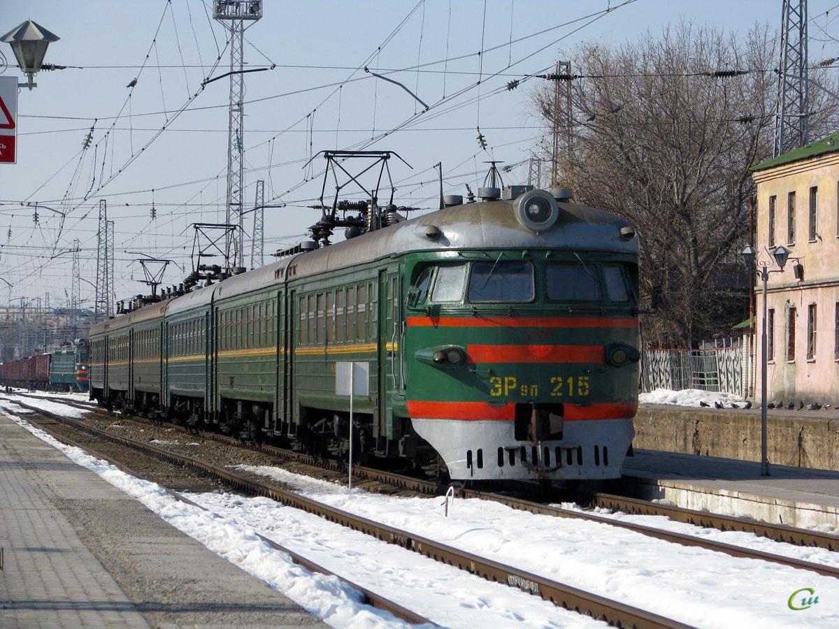 Таганрог. ЭР9ПК-215