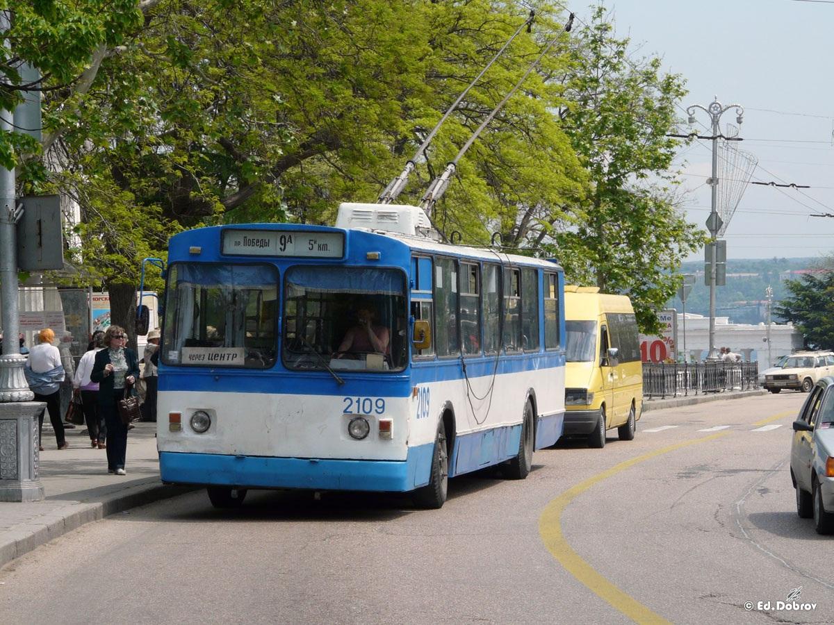Севастополь. ЗиУ-682В00 №2109