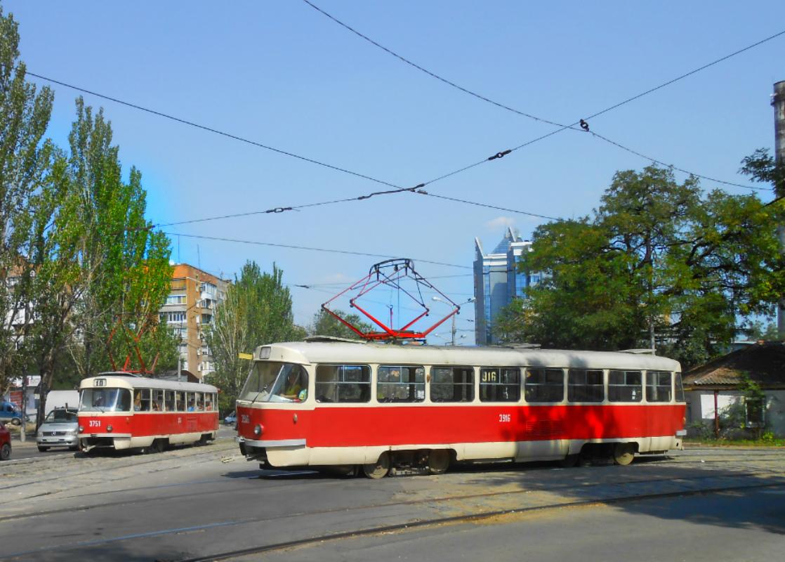 Донецк. Tatra T3SU №916, Tatra T3 №3751