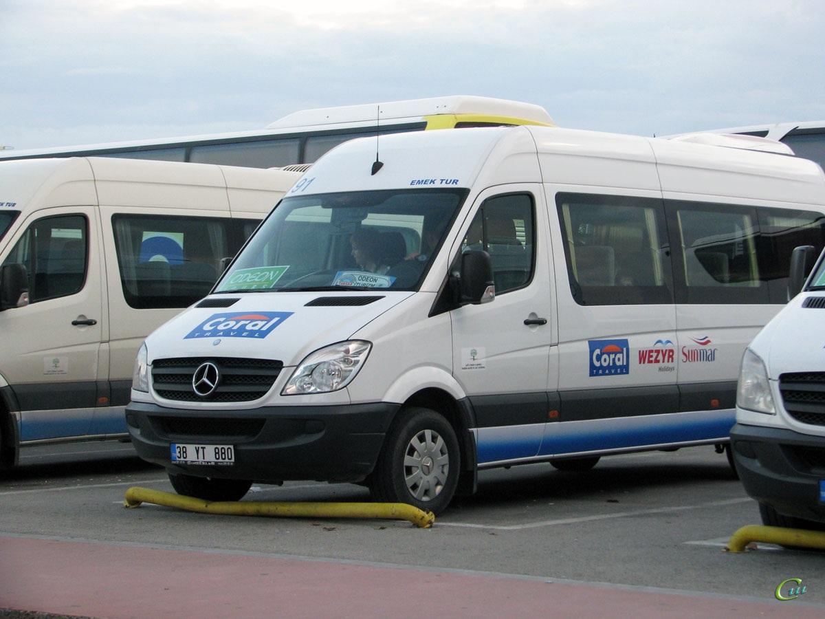 Анталья. Mercedes-Benz Sprinter 38 YT 880