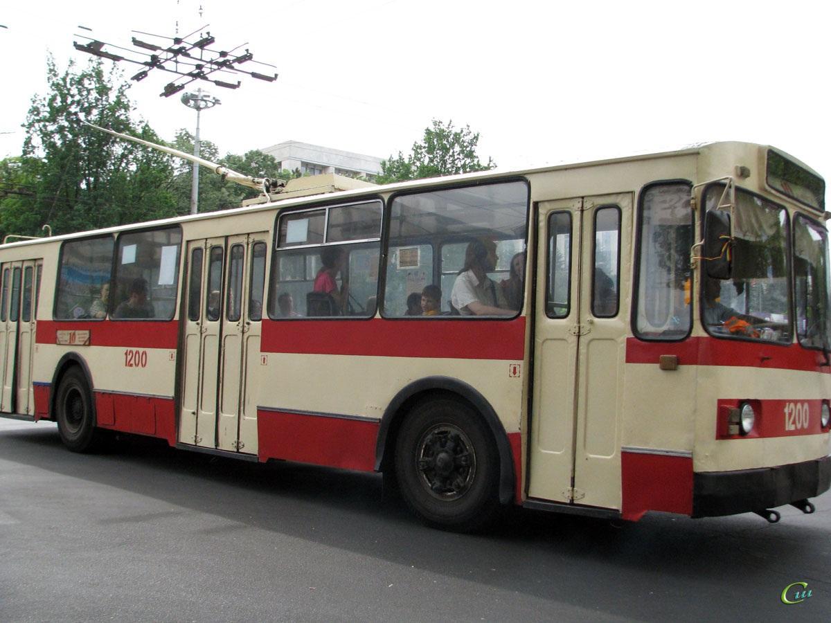 Кишинев. ЗиУ-682В-012 (ЗиУ-682В0А) №1200