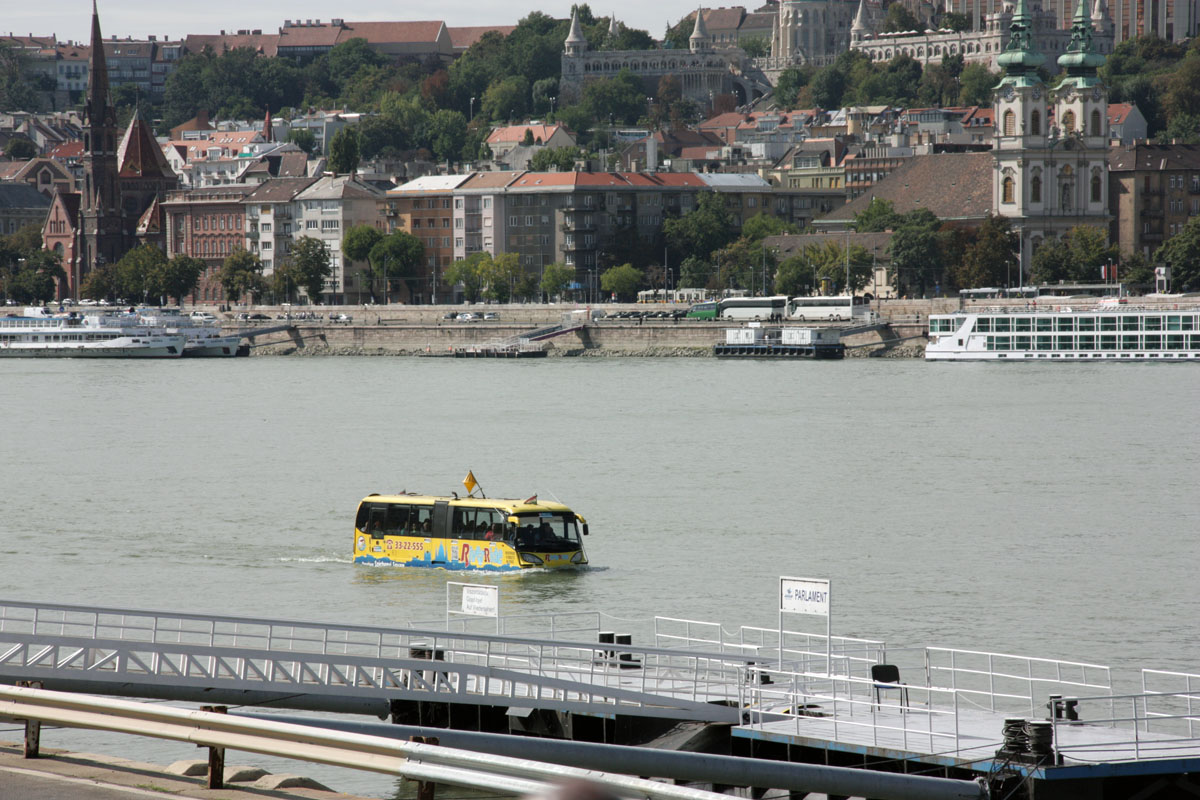 Будапешт. AmphiCoach GTS-1 LOC-182