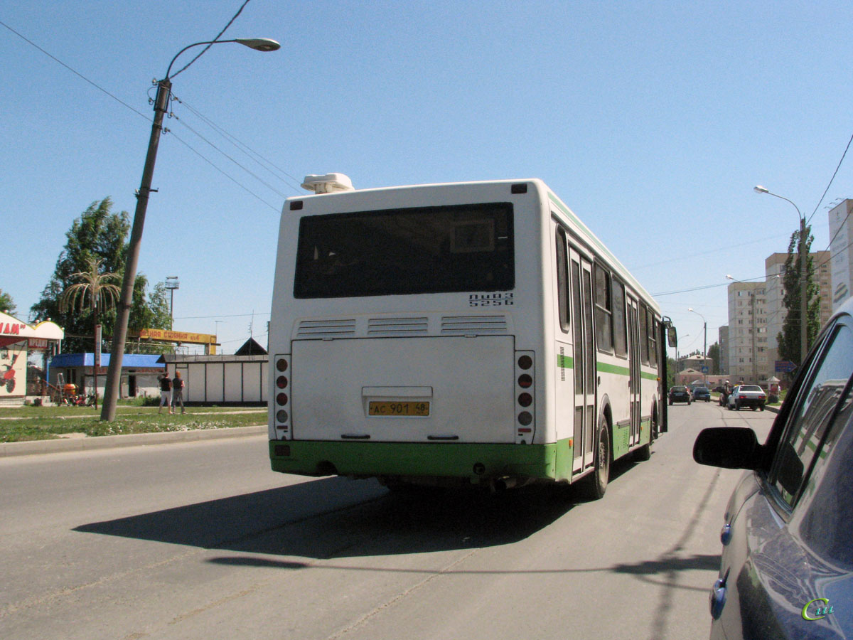этим автобусы в ельце картинки брусчатке