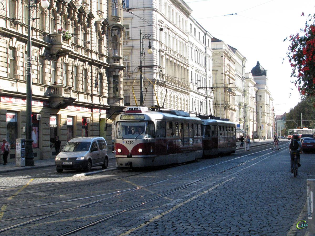 Прага. Tatra T3R.PLF №8270