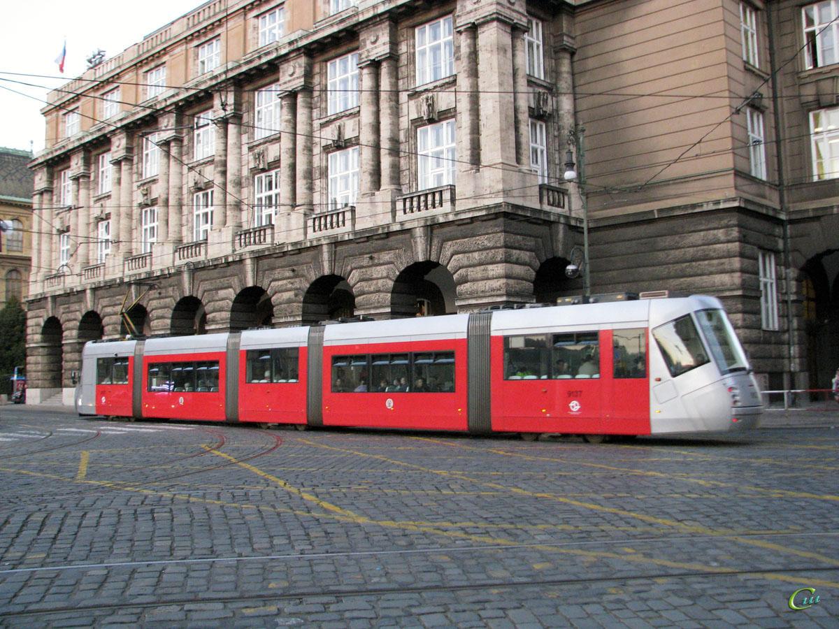 Прага. Škoda 14T №9137