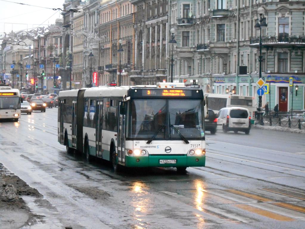 Санкт-Петербург. ЛиАЗ-6213.20 в377нт