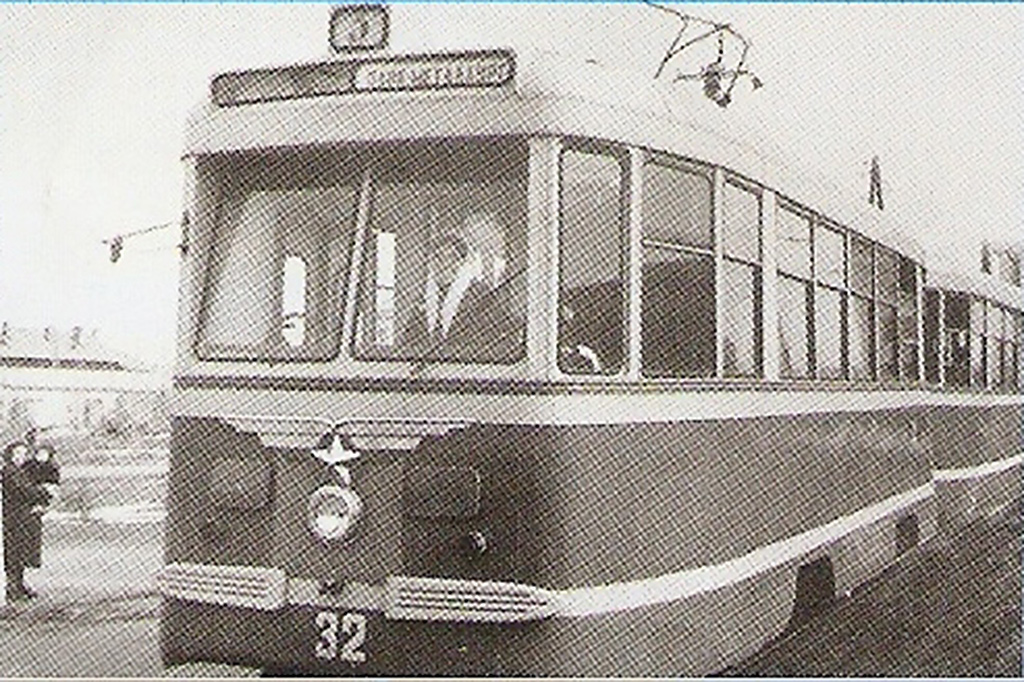 Комсомольск-на-Амуре. КТМ-2 №32, КТП-2 №33