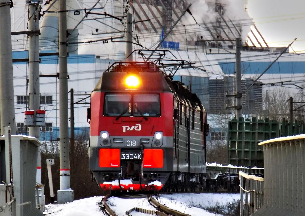 Санкт-Петербург. 3ЭС4К Дончак-018