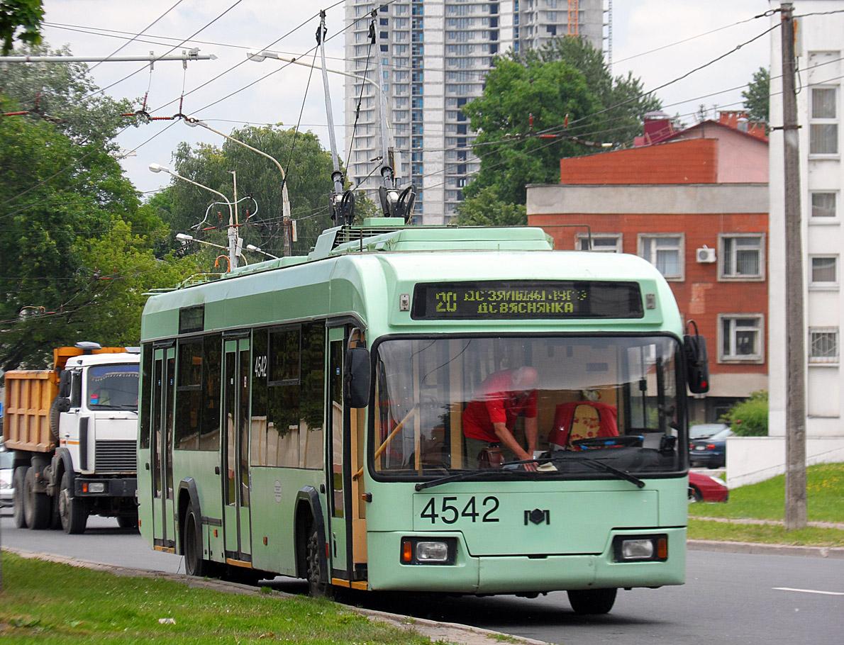 Минск. АКСМ-32102 №4542