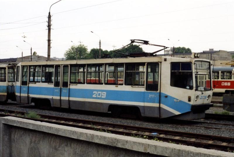 Кривой Рог. 71-611 (КТМ-11) №209