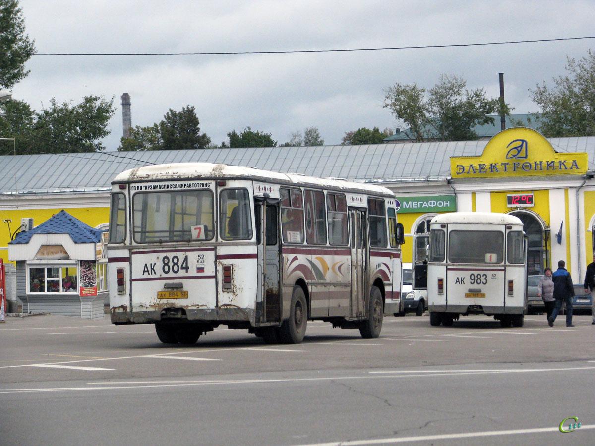 Арзамас. ЛиАЗ-677М ак884, ЛиАЗ-677М ак983