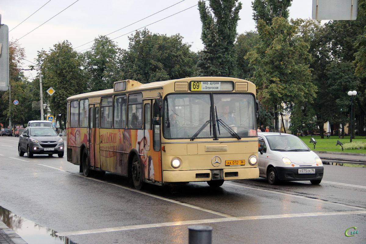 Воронеж. Mercedes-Benz O305 аа012
