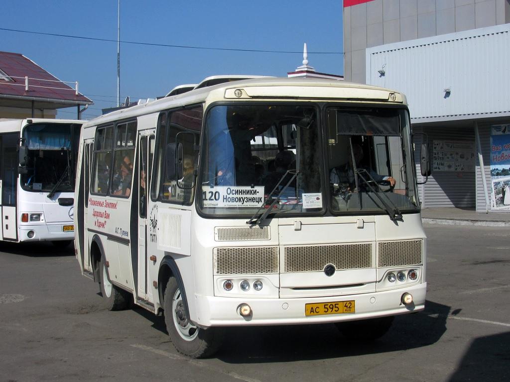 Новокузнецк. ПАЗ-32054 ас595
