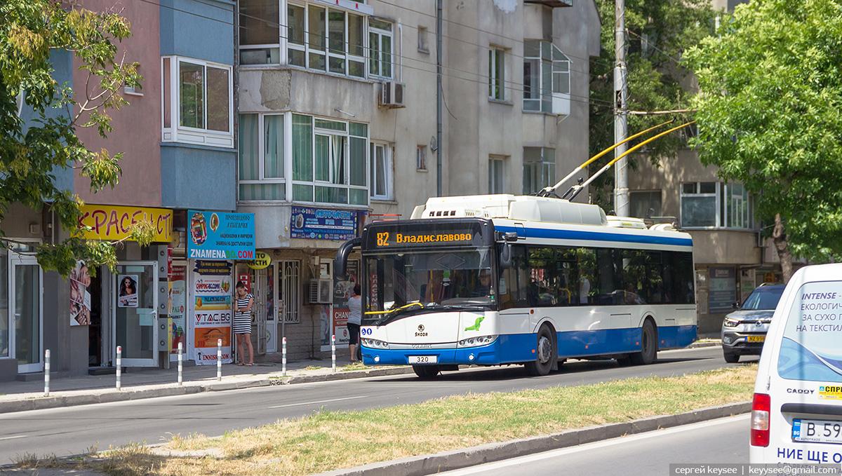 Варна. Škoda 26Tr Solaris №320