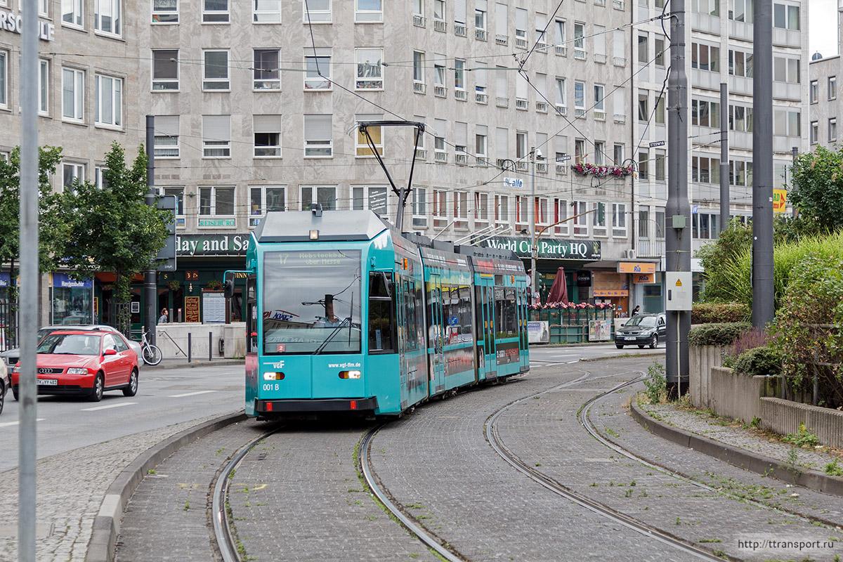 Франкфурт-на-Майне. Duewag R №001