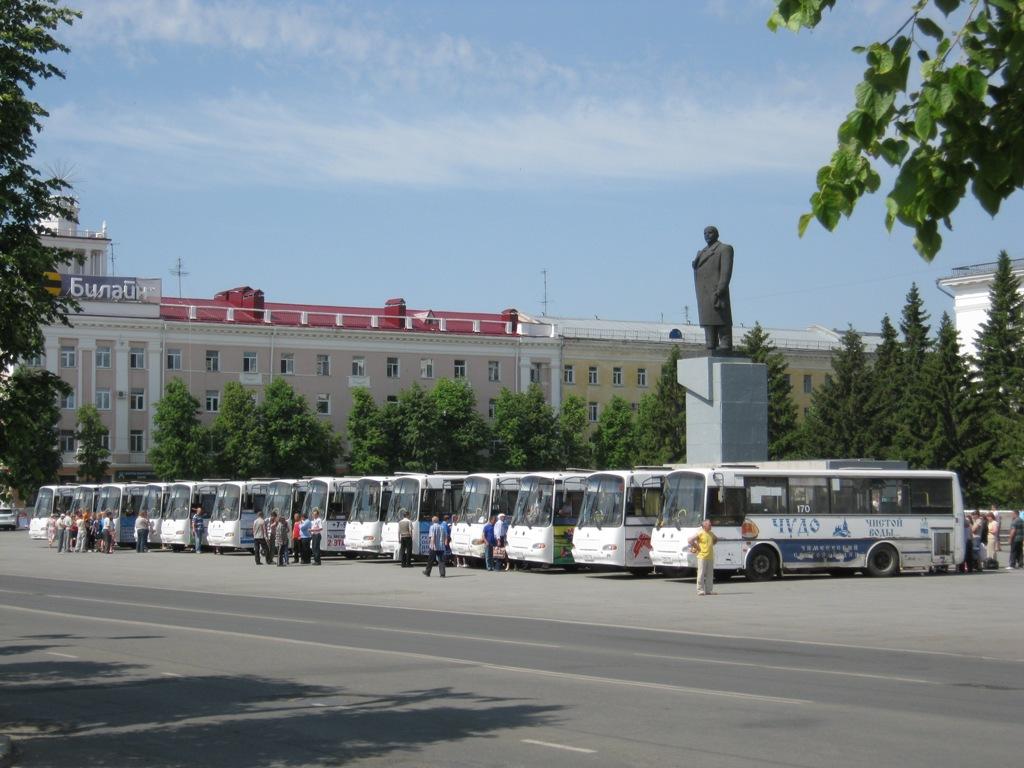 Курган. Автобусы для отправки детей в загородные лагеря