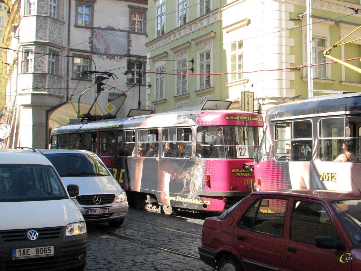 Прага. Tatra T3SUCS №7071, Tatra T3SU №7012