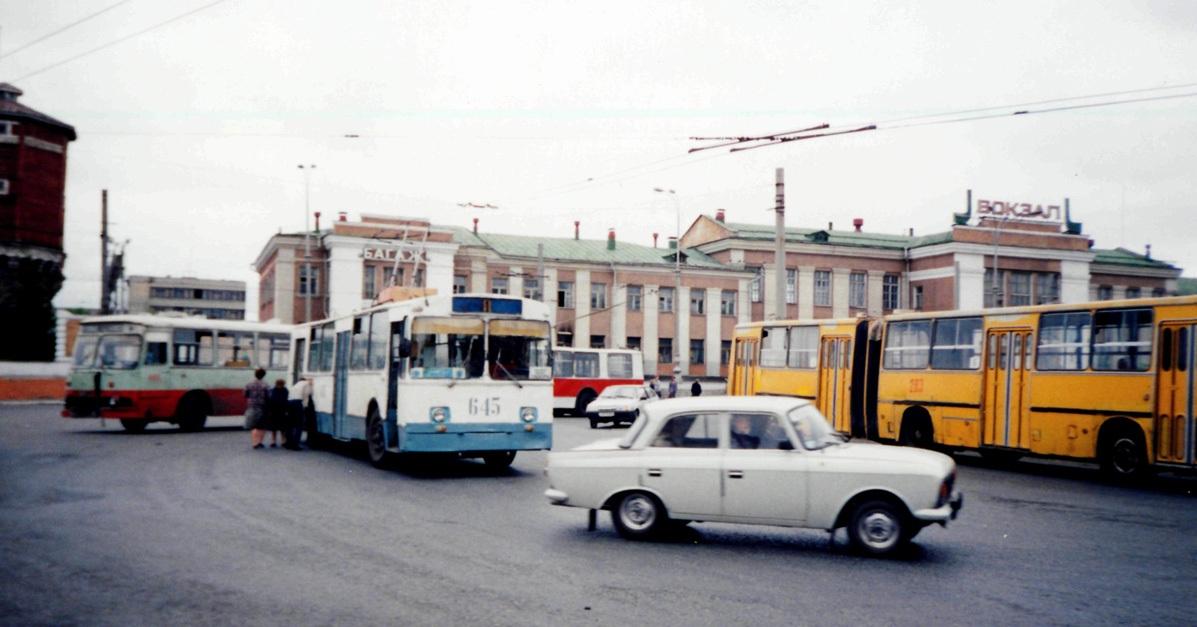 Курган. ЗиУ-682В00 №645, Ikarus 280.33 №283, ЛиАЗ-677Г №443