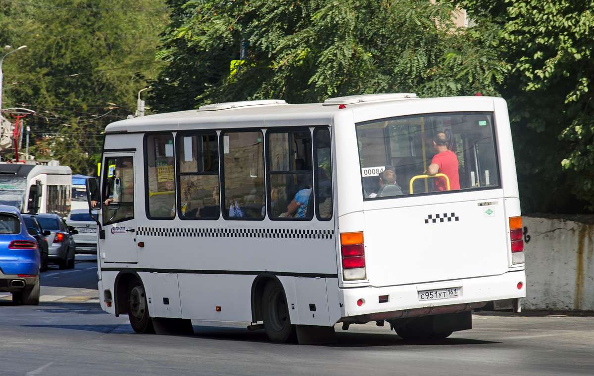 Ростов-на-Дону. ПАЗ-320302-11 с951ут