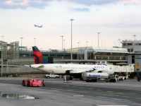 Нью-Йорк. Самолет Airbus A320 (N348NW) авиакомпании Delta Air Lines