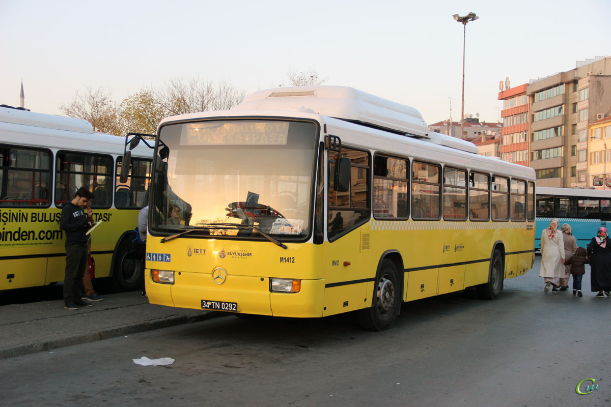 Стамбул. Mercedes-Benz O345 34 TN 0292