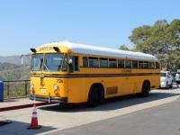Лос-Анджелес. Crown Supercoach 6YWL851