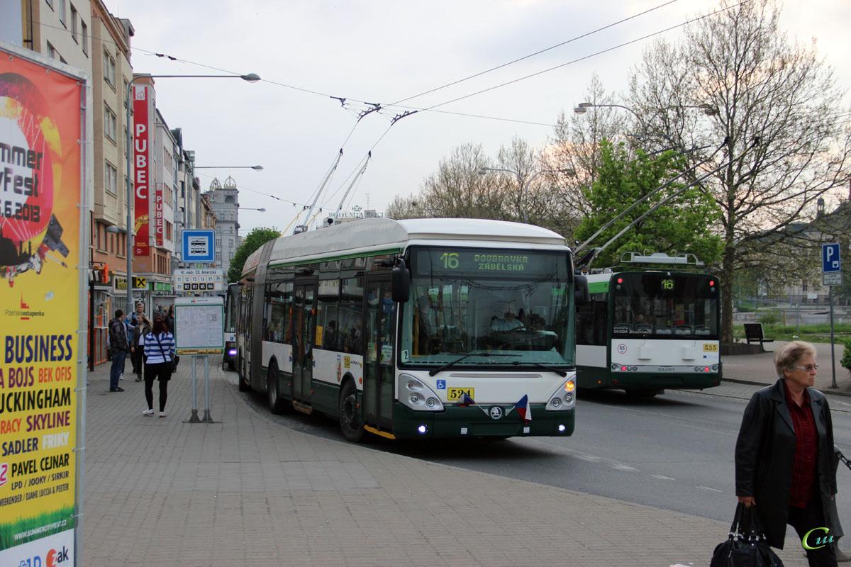 Пльзень. Škoda 25Tr Irisbus №524, Škoda 27Tr Solaris №535