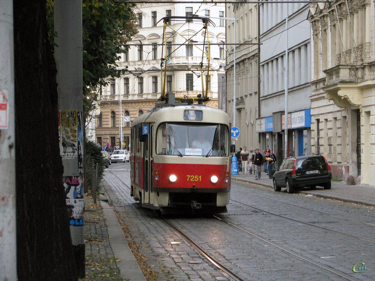 Прага. Tatra T3SUCS №7251