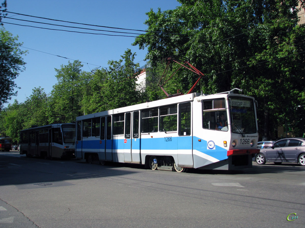 Москва. 71-619А (КТМ-19А) №1132, 71-608КМ (КТМ-8М) №1266