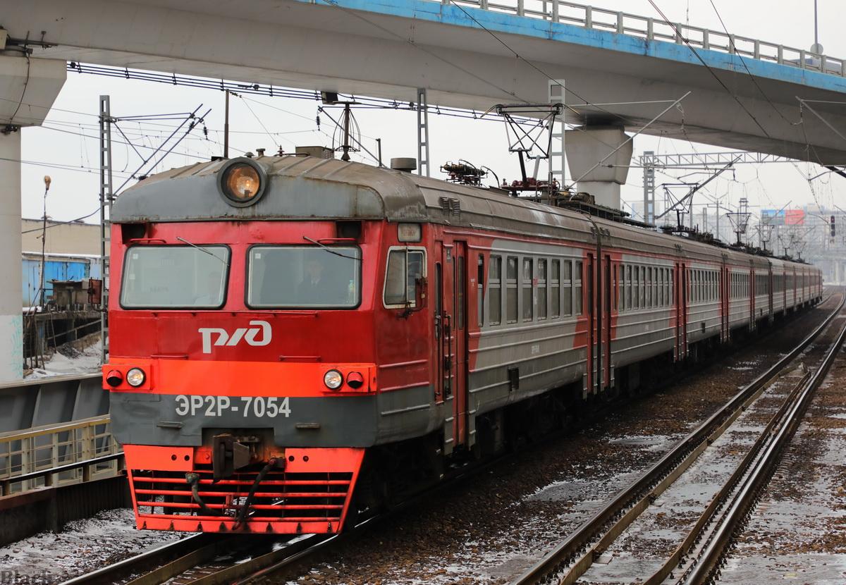 Москва. ЭР2Р-7054