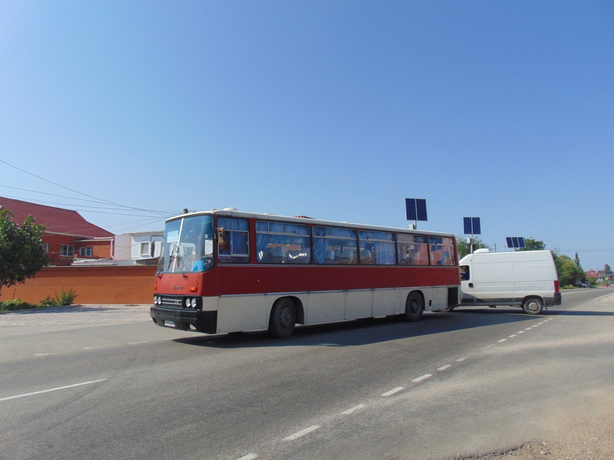Феодосия. Ikarus 256 в594нк